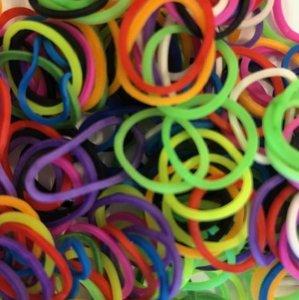 200 Loombandjes gekleurd